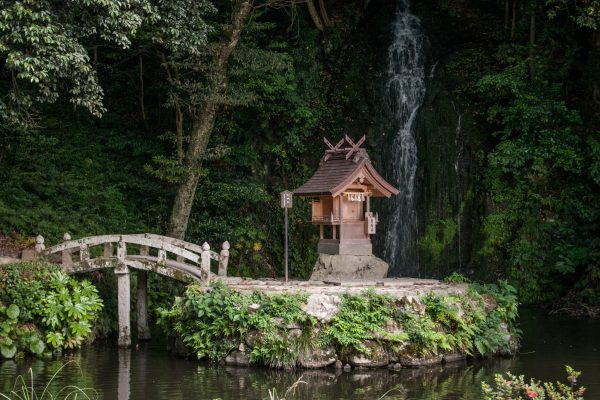 Cascade non loin du sanctuaire Izumo Taisha Shimane Japon tourisme hors des sentiers battus