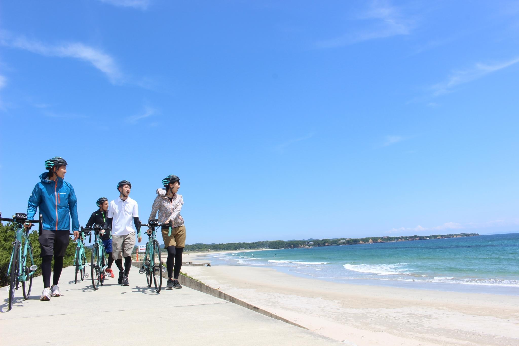 Tour à vélo autour de la baie d'Ago