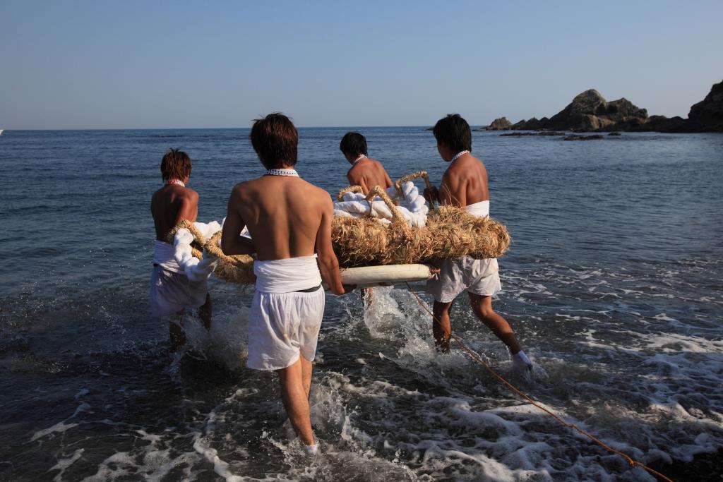 Festival des chaussures en paille (Waraji Matsuri)