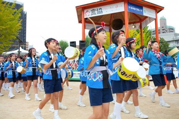 festival saké matsuri saijou dégustation voyage Hiroshima Japon danse tradition