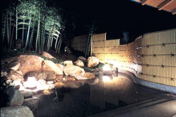 ryotei yamanoi matsue shimane hôtel auberge japon sources chaudes chambre tatami traditionnel forêt bambou