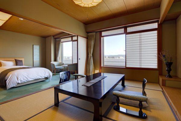 ryokan naniwa issui onsen sources chaudes matsue shimane japon onsen privatif rotenburo tatami chambre traditionnel semi-occidental cuisine kaiseki