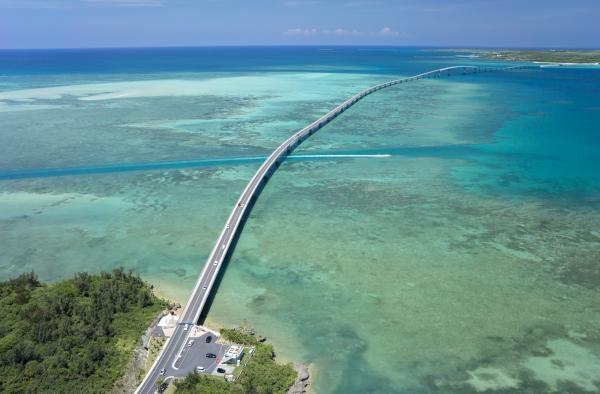 Le pont Irabu