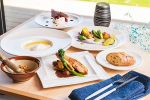 WA-SAKURA - Japon Tourisme Voyage Okayama Tamano Uno Hotel restaurant Bluno déjeuner formule menu